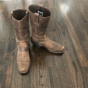 Frye Harness 12R Boots